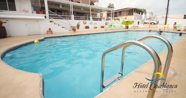 Pasad a en piscina con almuerzo incluido paseo en kayak for Piscina canoe