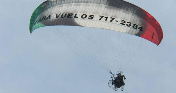 Ve a volar con team kamikazes en parapente paramotor por las bellas costas de puerto rico - Volar a puerto rico ...